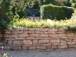 Création de muret en pierres sèches aux Issambres