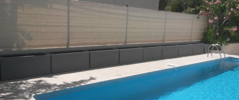 Pose de brise vue autour d'une piscine à Ramatuelle